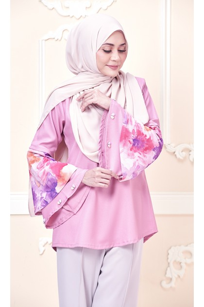 Watercolor Blooms Top in Dusty Pink (As-Is Item/Minor Defect)