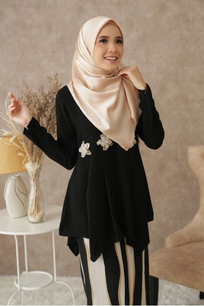 Che Kiah Moden Kurung in Black (Limited Edition)