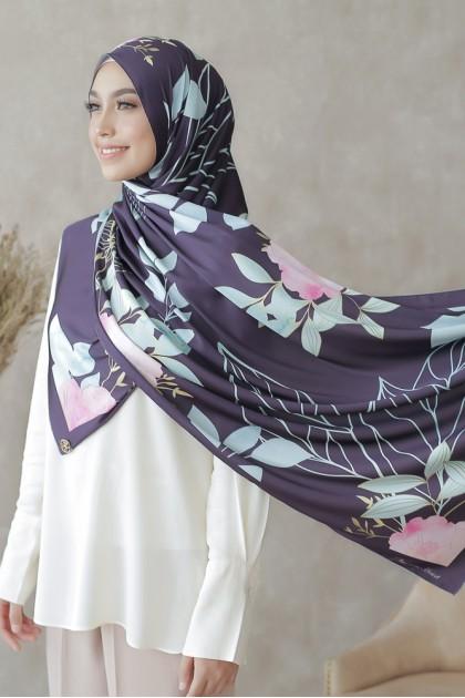 Botanique Eyelash Shawl in Dark Purple